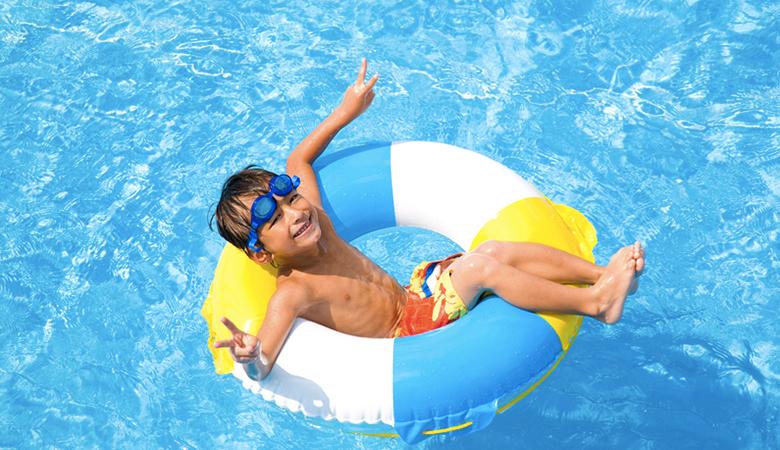 芋洗い状態回避!夏でも空いてる混雑知らずのプールの探し方