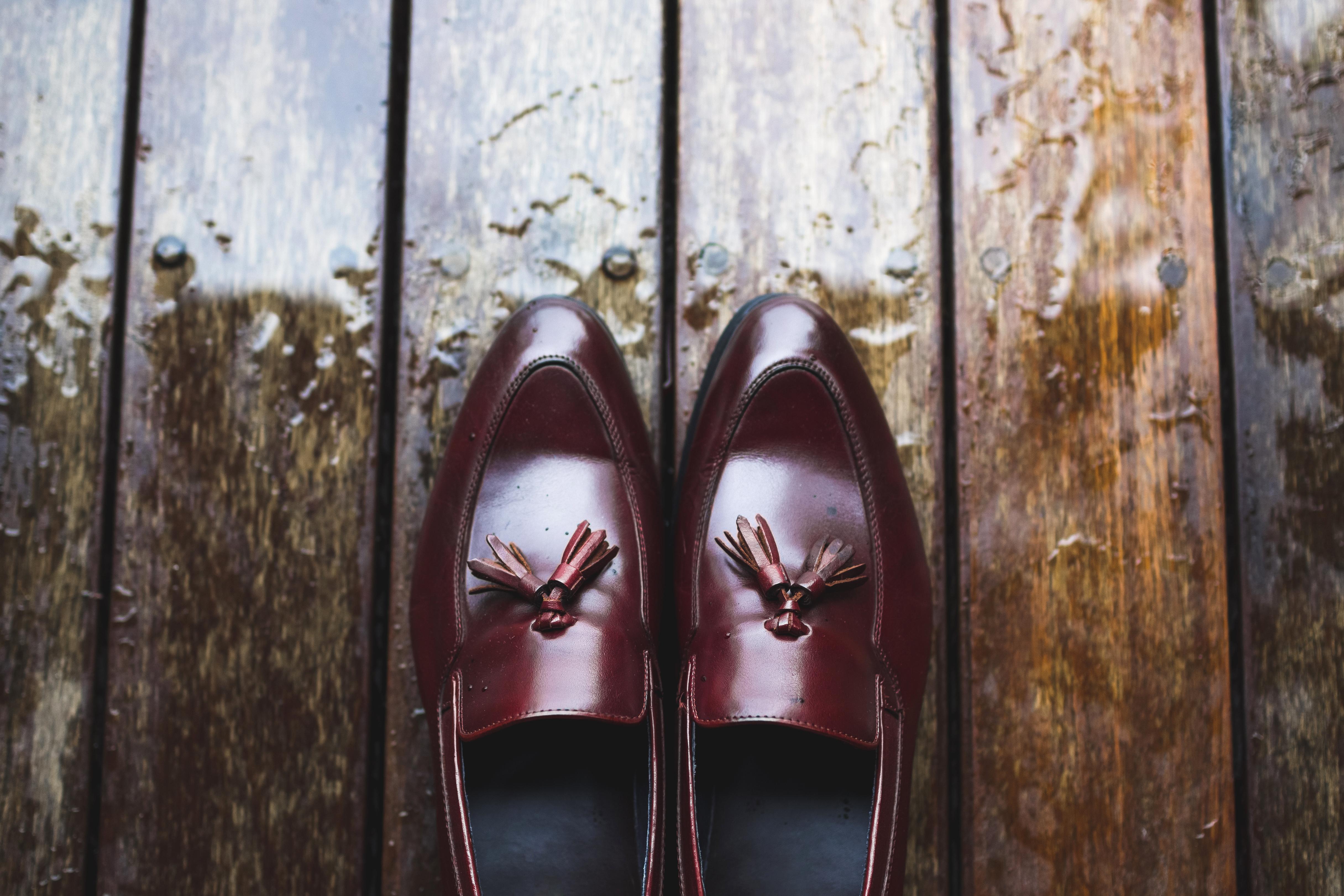 春雨の季節、革靴の「出かける前に」「濡れた後に」「仕舞う時に」できること。